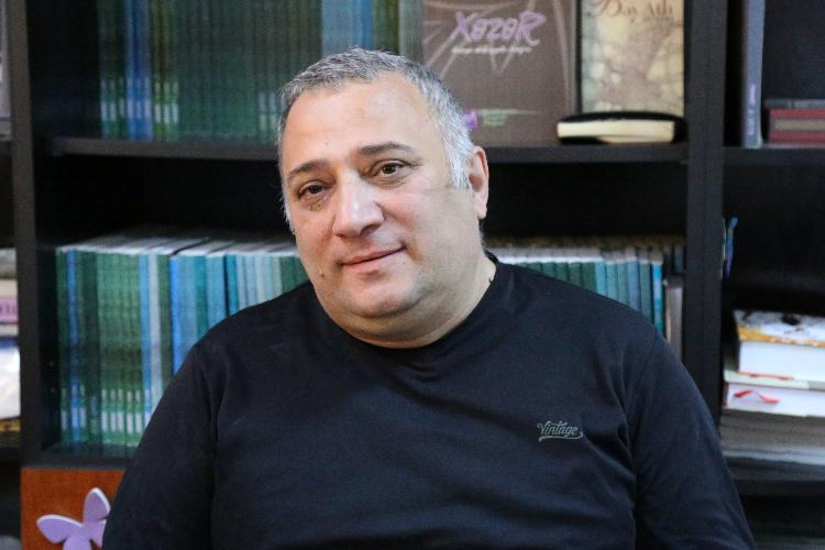 """Mübariz Örən: """"Elə bilirdim Bayram Bayramovdan böyük yazıçı yoxdur"""" –  Epiloq.az"""